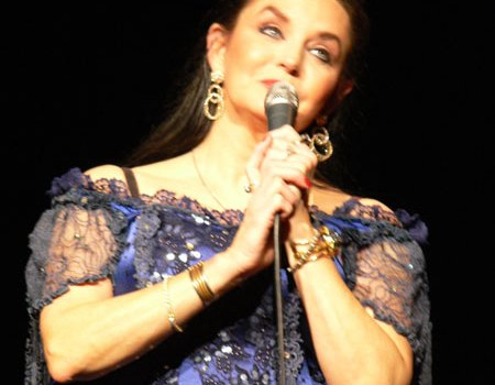 Crystal Gayle – Don't It Make My Brown Eyes Blue