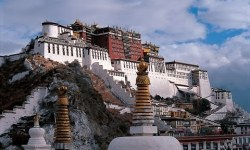 Templul-Jokhang-din-Lhassa-capitala-buddhismului-tibetan-1
