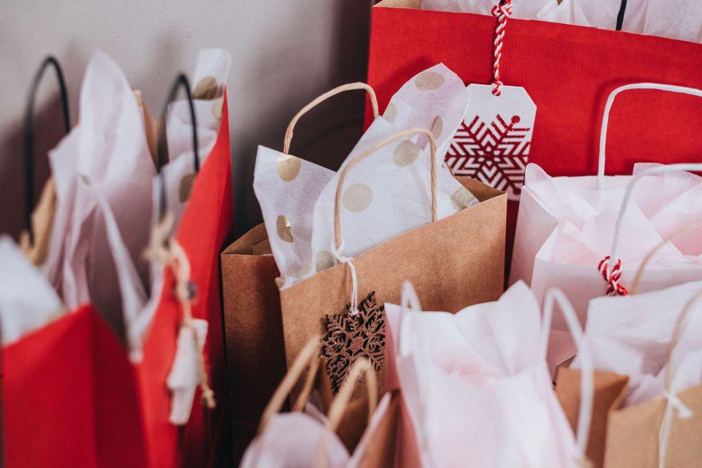 6 Presentes Criativos para Importar da China Sacolas de papel com presentes
