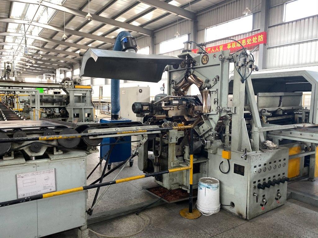 Máquina de produção em fábrica na China