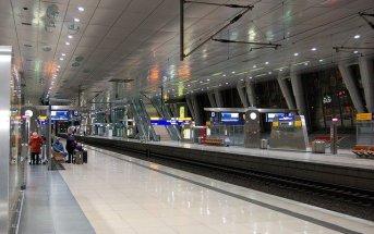 Plataforma do S8 e S9 do aeroporto de Frankfurt