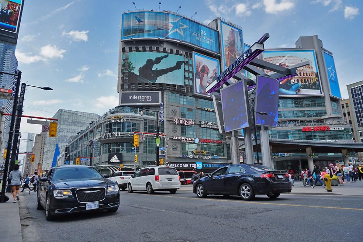 Yonge Dundas Square - O que fazer em Toronto