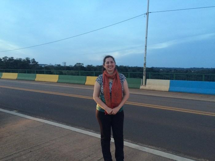 A ponte tem as cores dos dois países