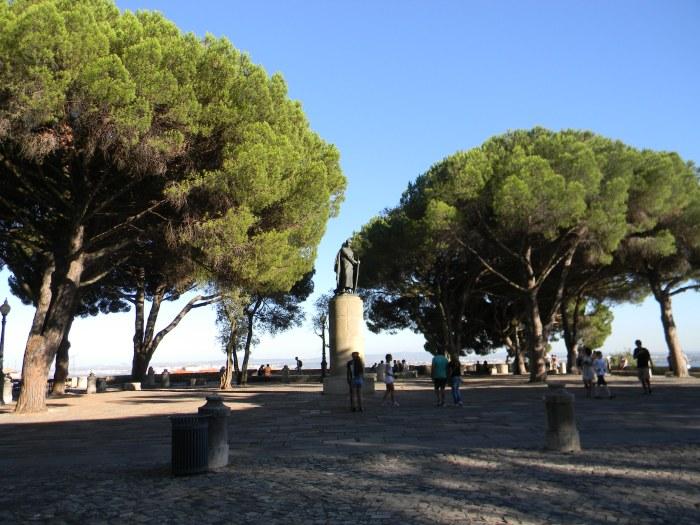 Pátio externo do Castelo de São Jorge