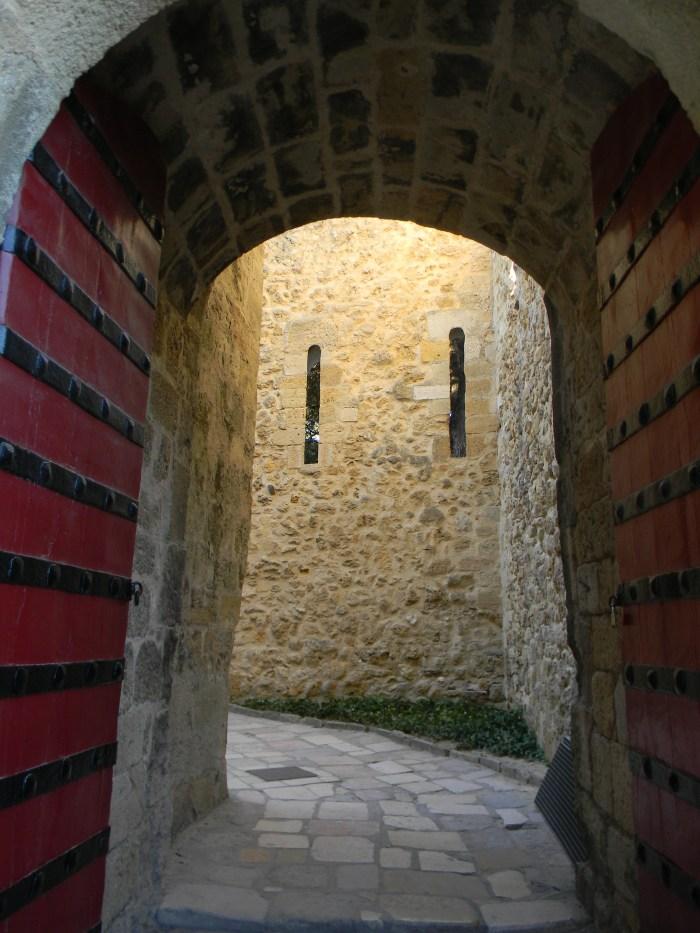 Um dos portais do Castelo de São Jorge
