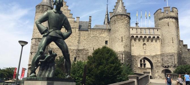 8 Castelos pelo Mundo que valem a pena conhecer!