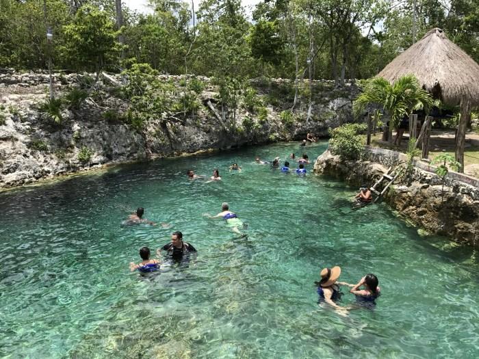 Dzonot Wayak, um cenote lindo e refrescante