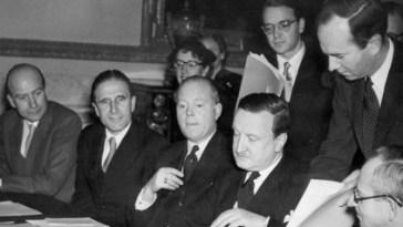 German Debts Agreement signed in London