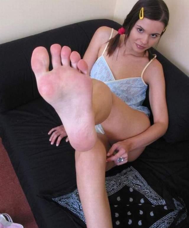 Adultcheck Stocking Footjobs Bare Female Feet Links