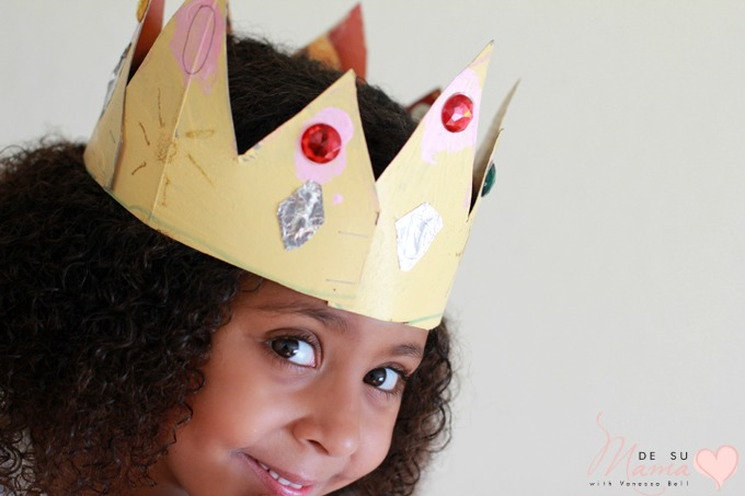 Three Kings Day Crown Craft for Kids: Bicultural Holiday Traditions