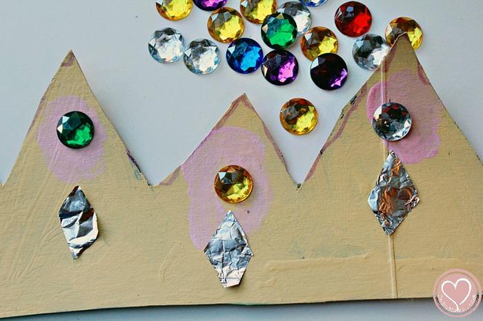 three-kings-crown-craft-for-kids-1