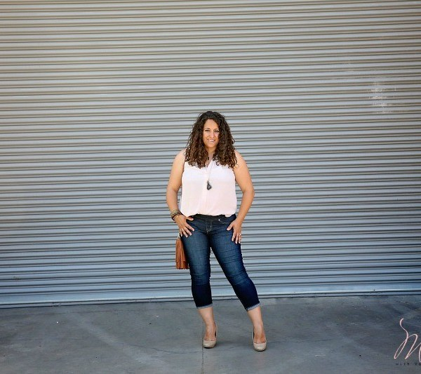 Modern Mom Jeans for Curvy Latina Moms