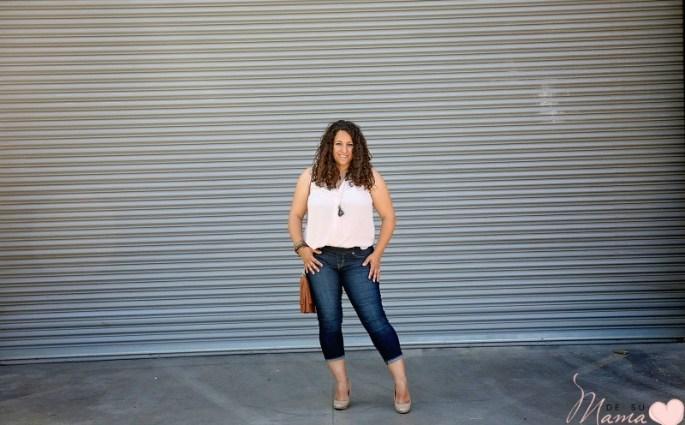 Modern Mom Jeans for Curvy Latina Moms