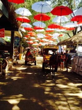 party-and-shopping-gili-trawangan-1