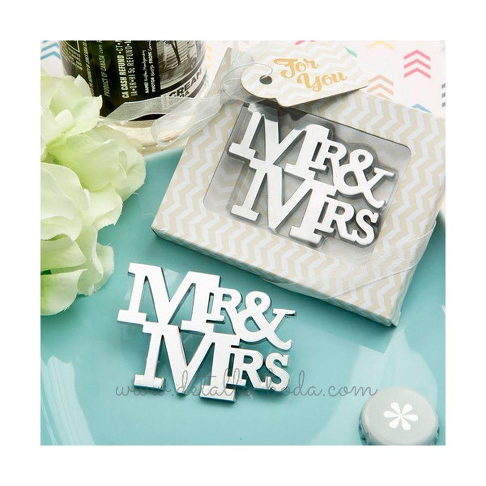 Regalo de Boda Abrebotellas Mr & Mrs en caja regalo