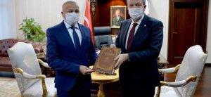 Παρουσίαση βιβλίου στον Πρόεδρο Τατάρ