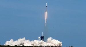 Το SpaceX ξεκίνησε ταυτόχρονα 143 δορυφόρους στο διάστημα