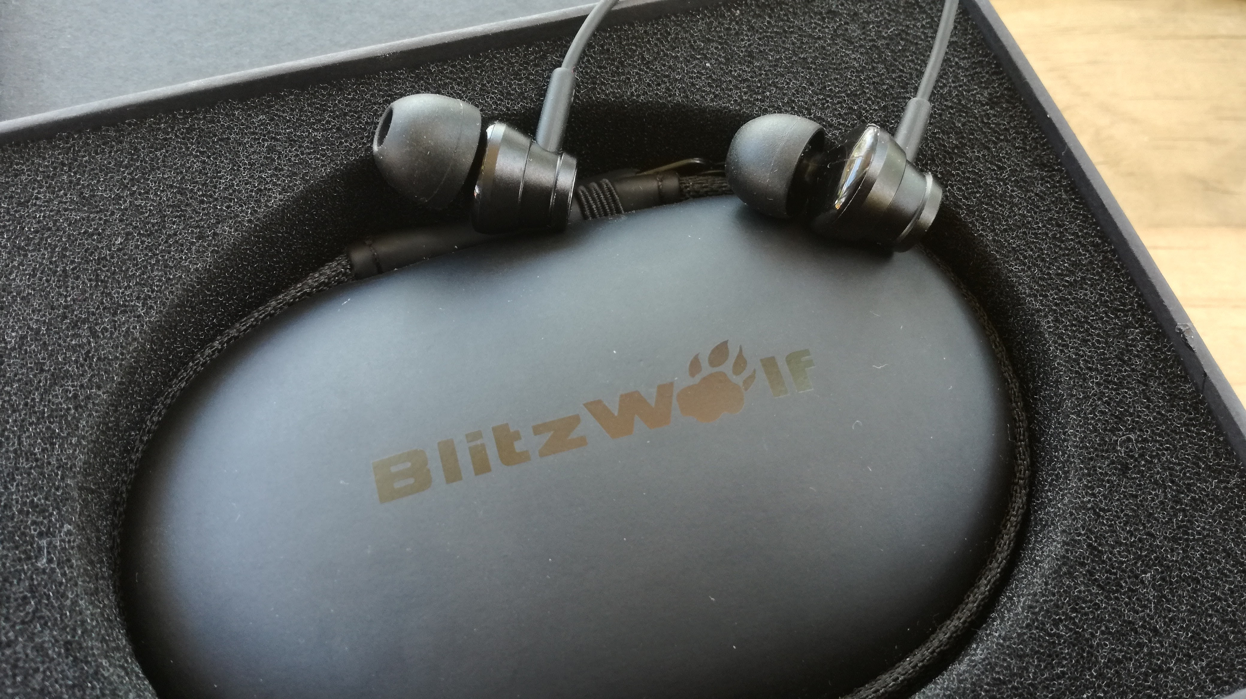 Blitzwolf\'s ES1 Graphene Earphones are excellent value for money ...