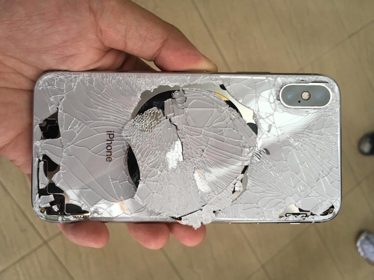Here's how much it will cost to replace your iPhone's glass back