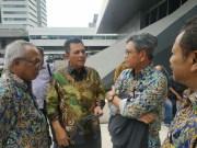 Ansar Ahmad sedang menyampaikan potensi pembangunan Kepri, bersama Menteri PUPR di Jakarta
