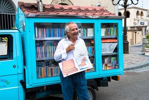 kamion sa knjigama