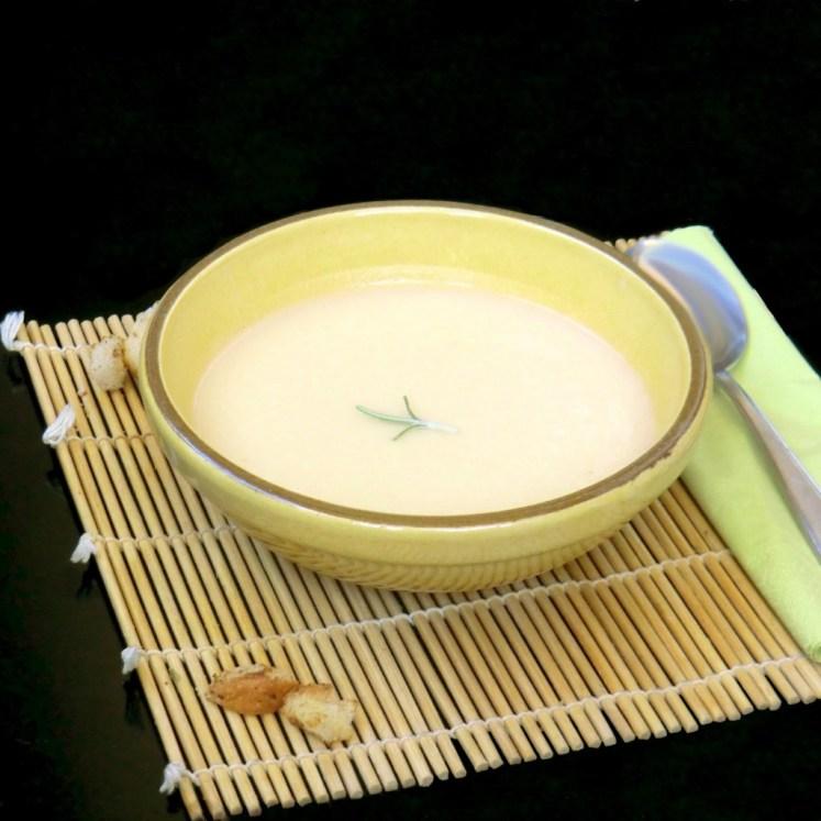 Sopa crema de cebolla