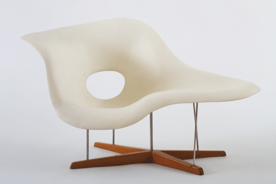 Full Scale Model of Chaise Longue (La Chaise) by Charles and Ray Eames, 1948. ©2008 The Museum of Modern Art