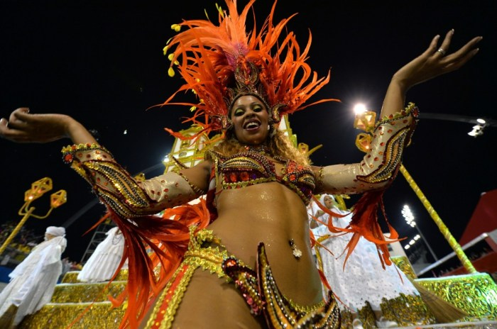 Carnevale-brasile-2014-i-topless-di-san-paolo-11