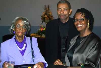 Deborah Smith Pollard with mother and husband