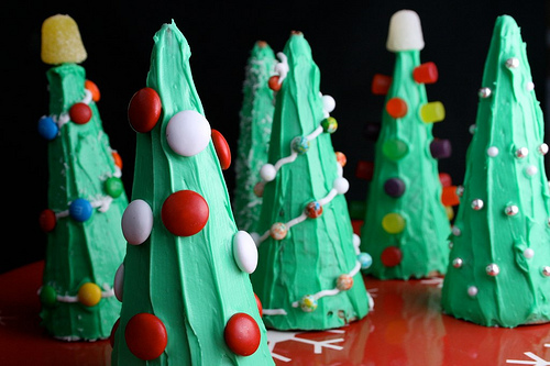 Easy Sugar Cone Christmas Trees