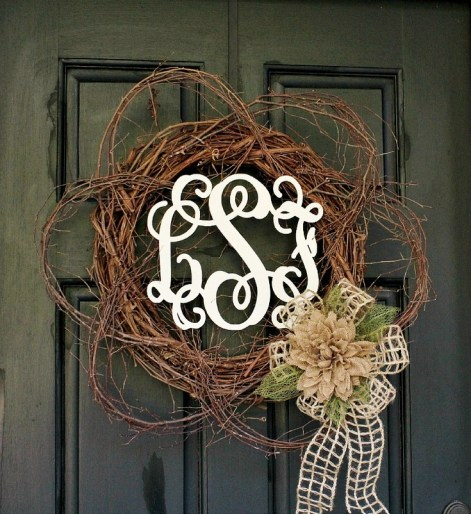 diy-monogram-wreath