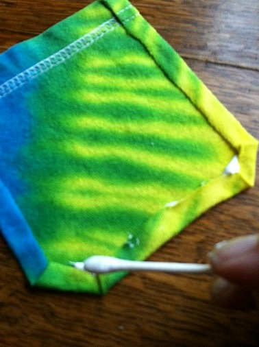 Tie Dye T-shirt gluing edges
