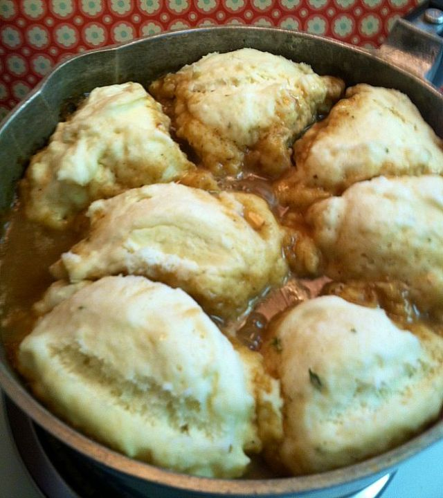 Hearty Beef Stew with Dumplings
