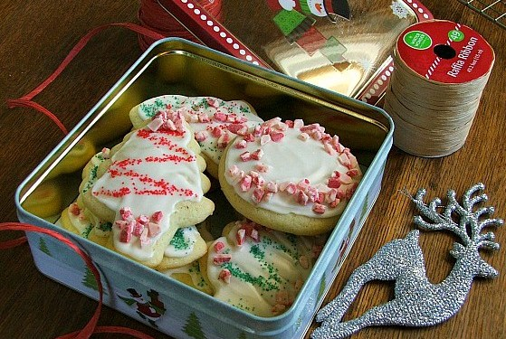 Perfect Recipes for Holiday Baking – Mocha Brownie Bites and Sugar Cookies with Peppermint