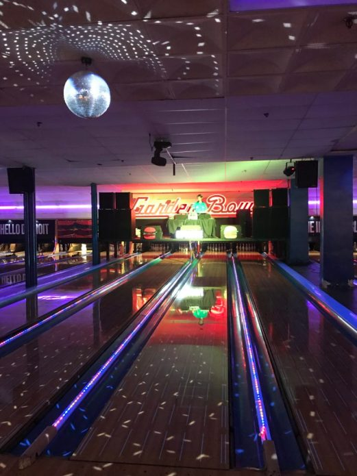 Detroit Mommies Attend Impossible Burger Bowling Event