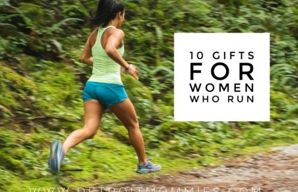 Holiday Gift Guide: 10 Best Holiday Gifts for Women Who Run