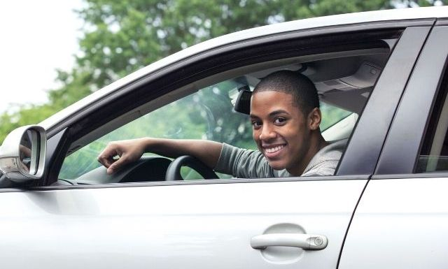 The Pros and Cons of Owning a Car in College