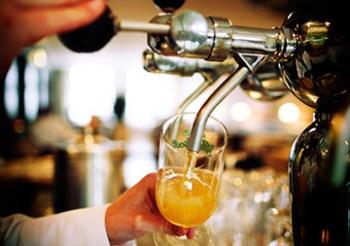 19 September: Goede Tijden, Barre Tijden! Barman/vrouw contest