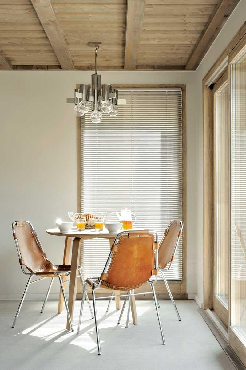 chalet Komani, tavolo cucina