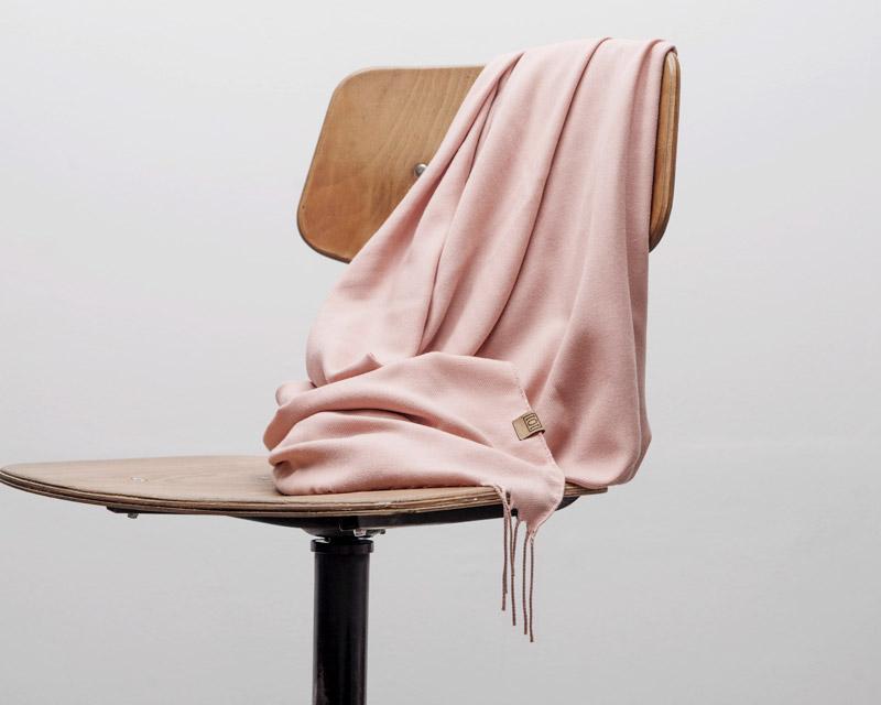 grand foulard rosa
