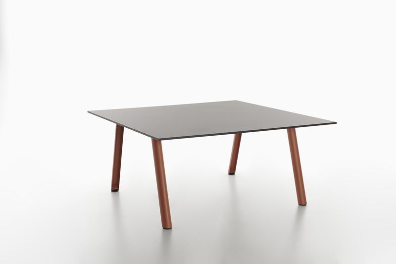scrivania per workspace contemporanei