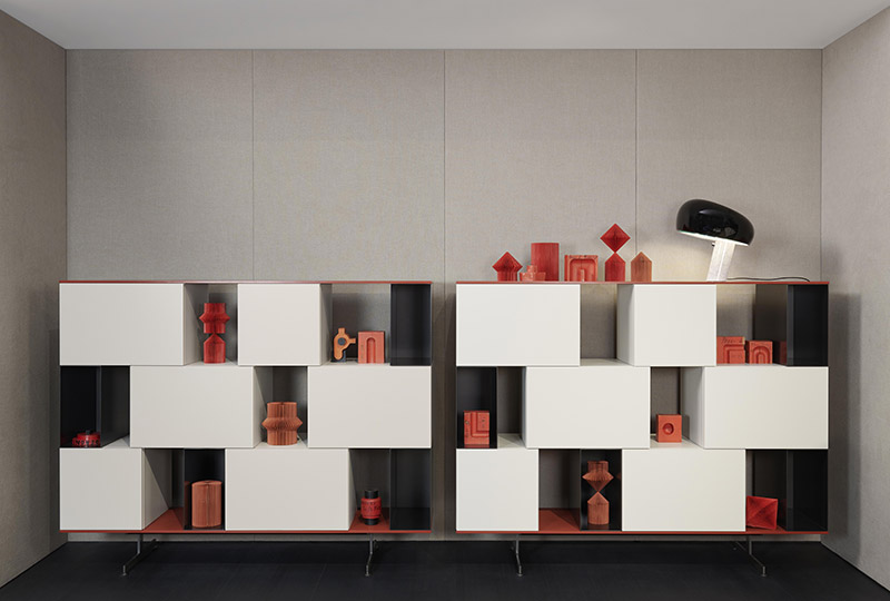 madie dal design moderno di colore avorio e rosso