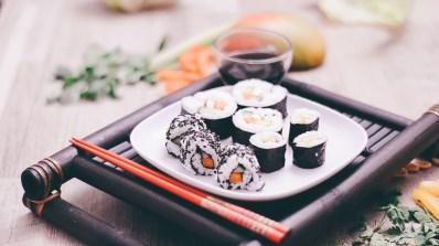 Fertiges selbstgemachtes veganes Sushi