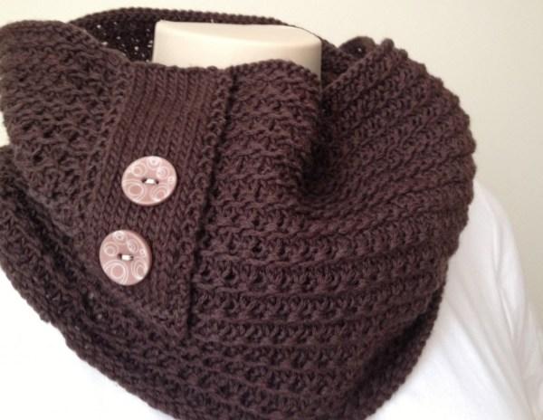 Knitting Pattern : Chocolate Cowl | deuxbrinsdemaille.com