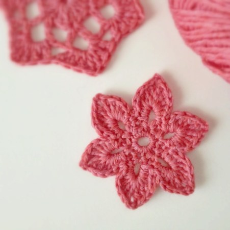 Tiny Crochet Motif Flower