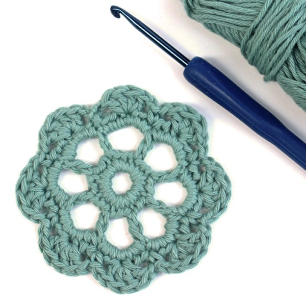 Free Crochet Motif Pattern Isabella Flower