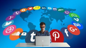 Free Social Media Management-Marketing - The Highly-Paid Manager Superstar-thumb