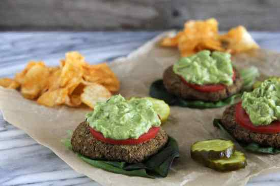 Healthy low carb freezer meals for vegetarians include the Black Bean Burger.