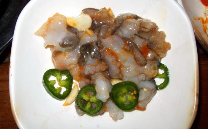 Hidangan Gurita Hidup Di Korea