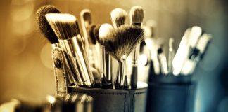 Make Up Agar Awet Muda - DeveNews.Com